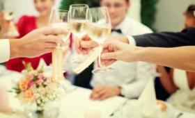 Весёлая «выпивалка» по профессиям на свадьбе