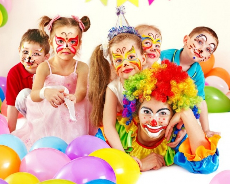 Развлечь детей и подростков на празднике? Легко!