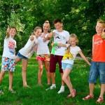Квест для детей «На улице» — командная игра с поиском спрятанного сюрприза во дворе частного дома (коттеджа), на даче, в деревне или в городском парке