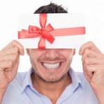 Подарок-квест: как оригинально поздравить мужчину с Днём рождения (Юбилеем) дома или в офисе